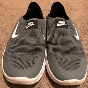 Women's Nike Slip-On shoe Gray Size 8.5
